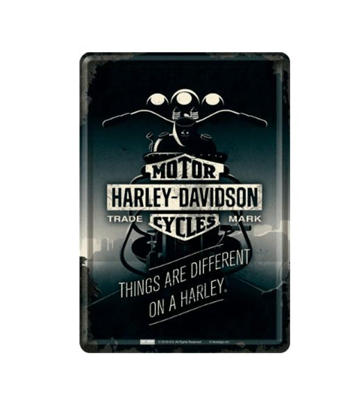 Things are different on a Harley - metalen bord